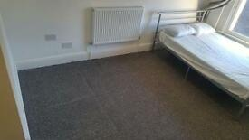 NEW 1 BED STUDIO FLAT, INCLUDING BILLS, FURNISHED, LONDON RD NEAR TRAIN STATION £140 PW