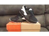 Brand New Nike Air Huarache Black/White/Black Size 7.5 Max Tn Jordan Bargain
