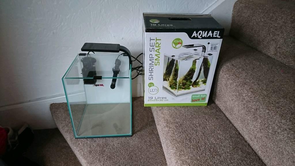 Aquael 19l shrimp set smart fish tank