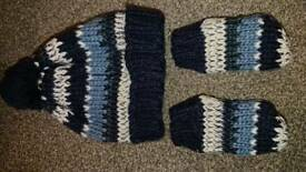 Hat and gloves set 12-24 months