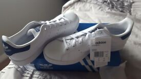 Size 5 adidas originals Stan smith