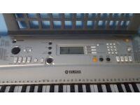Yamaha Keyboard PSR E313