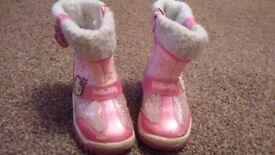 Girls snowboots 2 x pairs