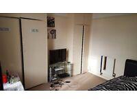 Double room to rent-Witney