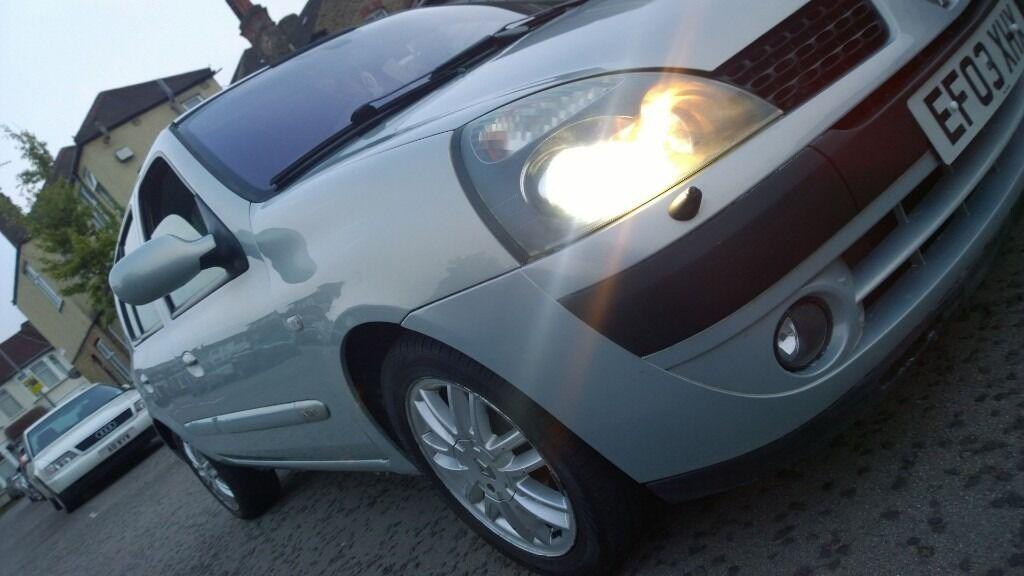 2003 RENAULT CLIO 16V AUTO INITIALE TOP OF RANGE XENONS, LEATHER, RAIN SENSOR, SAT NAV