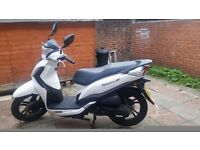SYM SYMPHONY ST 125 Motorcycle/Motorbike/Scooter - White - 125CC