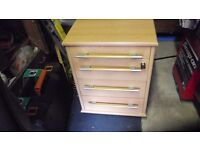 Pedastool drawer unit with key on wheels 4 Drawers