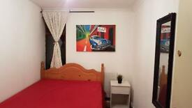 Zone 2 great and clean renovated flat. 07706814372