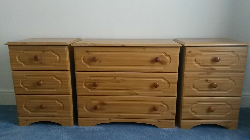 Solid Pine Chest Of Drawers And 2 Bedside Tables In