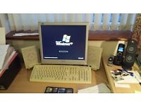Desktop pc with Monitor Speakers Keyboard and Mouse