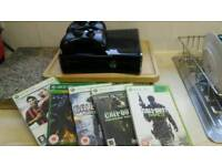 Microsoft Xbox 360 S 250gb, 2 controllers, 5 games