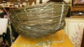 2 hanging baskets