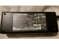 GENUINE TOSHIBA LAPTOP ADAPTER CHARGER PA-1750-09 PA3468E-1AC3 19V 3.95A 75W