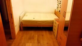 Nice Single room with double bed/ All bills Inc With WIFI