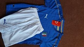 Kids age 10/11 Italy home football strip. Brand New with tags