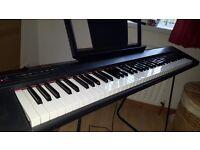 YAMAHA Piagerro NP-31 - 6 octave piano style keyboard