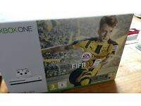 ALL BRAND NEW - Xbox One s + Extra Controller + Fifa17 + GTA V + Gears of War 4