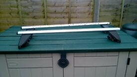 ROOF BARS TO FIT ASTRA 2006 WITH RAILS