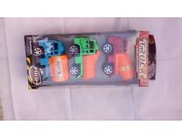 Pack of 3 toy trucks