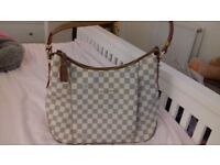 Louis Vuitton White damier hobo style hand bag