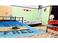 SHORT/Lng term let, SUPER king Room, 2 Wks or more, couple/Single/students/traveller wlcm.