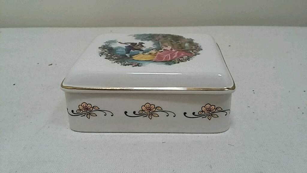 porcelain trinket box and lid
