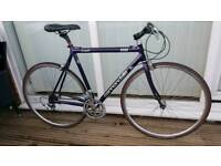 Mans Road Bike. Cannondale Handmade high quality frame
