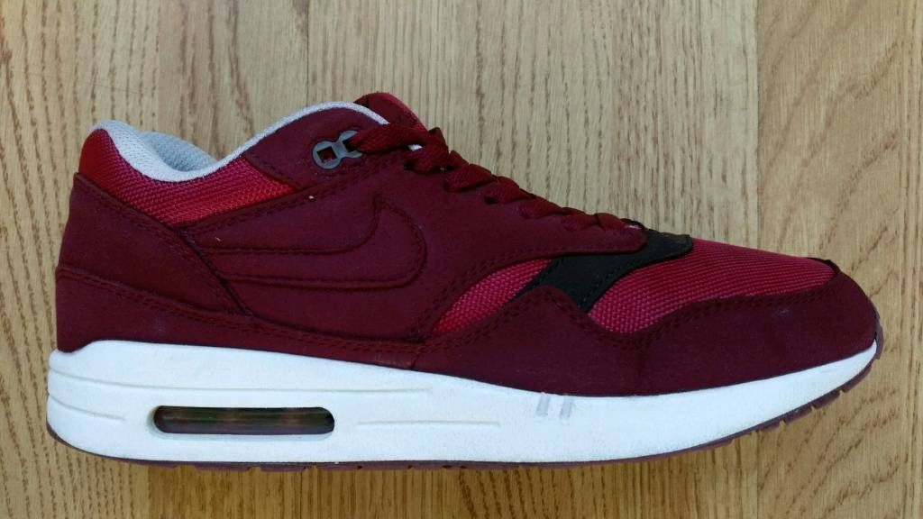 c9ef3aa155ce Nike air Max 1 team red velvet .. size 8.5