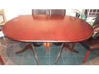 Extenable oakwood dinning table as new
