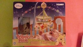 Gorgeous Disney Tomy Winnie The Pooh Chasing Butterflies Wind Up Mobile for cot - as new with box