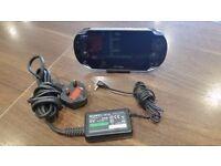 Sony PS Vita (Wi-Fi + 3G) (PlayStation Vita)-Unboxed