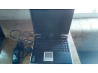 toshiba Sat Pro Laptop - 20gb Win xp DVD CDRW
