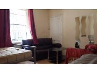 Large Twin Room Share in West Kensington/Baron's Court Available in Garden House Share
