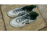 GM MENS CRICKET EQUIPMENT SHOES SPIKES SIZE 9.5