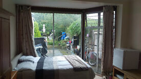 Large en suite double room in Hendon central