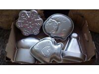 5 novelty baking tins