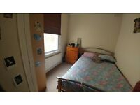 Lovely light double bedroom available minutes away from bustling clapham high street