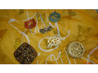 Mixed lot of bracelets, hair accessories