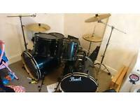 Pearl Forum double bass drum kit