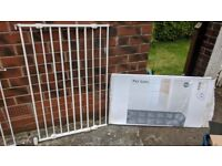 Pet gate or child safety stair gate (extra height)