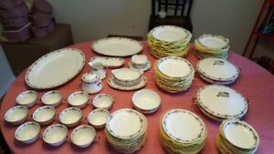 Limoges China - 12 place settings (AHR1)