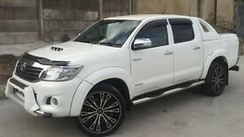 2012 TOYOTA HILUX D/C 3.0 D4-D INVINCIBLE AUTO 4X4 WHITE ++ LOW MILEAGE ++ ONE OF A KIND ++