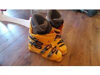 Salomon X Scream Ski Boots (inc. carry case) Excellent Condition Size 10