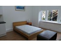 ***NEW TO THE MARKET- FULLY FURNISHED STUDIO- £595 ALL INCLUSIVE- AVAILABLE NOW!***