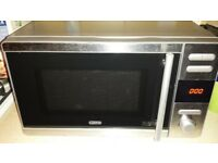 MICROWAVE 800 watt (DeLonghi) If rading this it will still be for sale Ad will be deleted when sold
