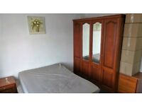 Excellent Condition 4 Bedrooms House with 2 Toilets & Bathrooms in Ilford -- No DSS please