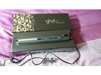 Almost New ghd IV hair straighteners