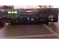 JVC RSQ SV-222 CD+G/VCD/CD SINGLE TRAY KARAOKE PLAYER