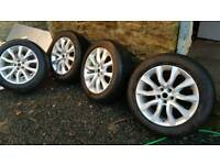 Range rover wheels with 225 55 20 tyres