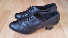 Ladies black leather Oxford tap shoes